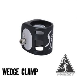 Fasen Wedge Double Clamp musta